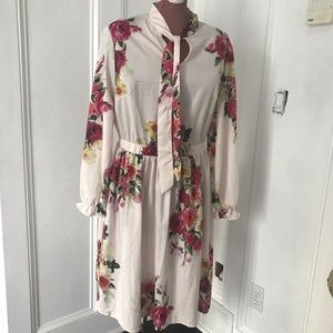 ⚡️Gorgeous floral pattern dress with tie at neck